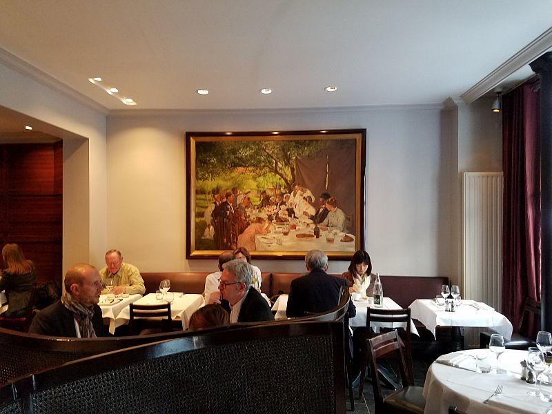 Paris Restaurants Au Bon Accueil Dining Room